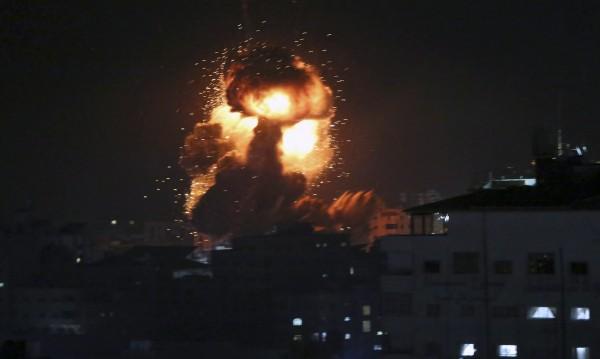 Въпреки примирието: Продължават ударите в ивицата Газа