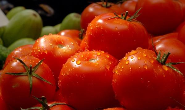 Зеленчуци, който не яде... Но все вносни, родното - кът