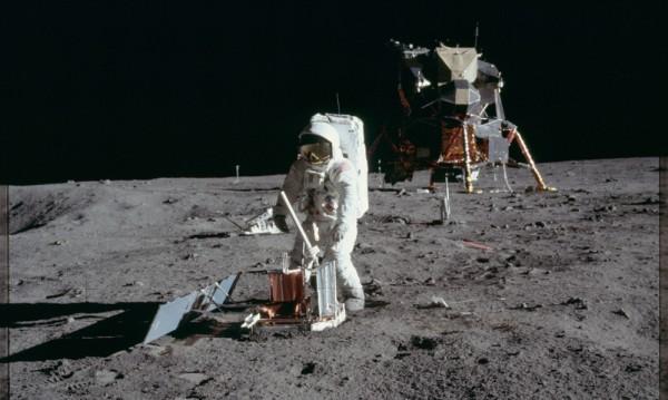 САЩ пращат отново астронавти на Луната до 5 години