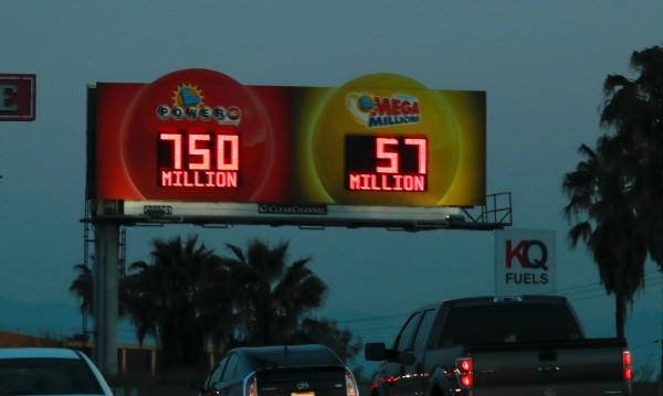 Това е късметлия! Американец удари $768 млн. от лотарията