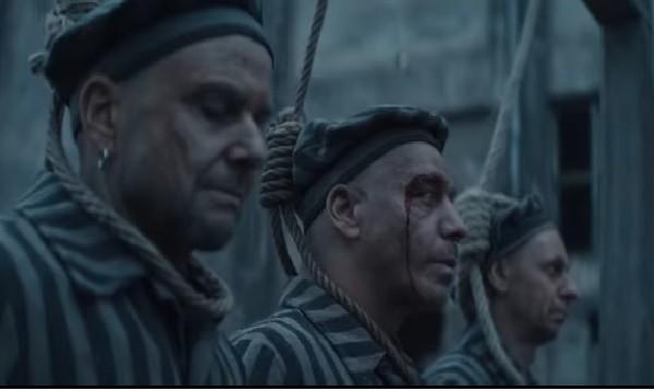 Rammstein разгневиха евреите, експлоатират Холокоста в нов клип