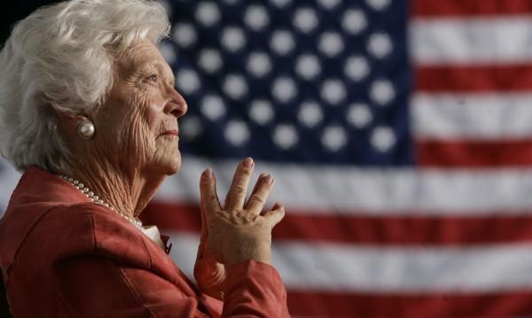 Барбара Буш обмисляла самоубийство след афера на съпруга си