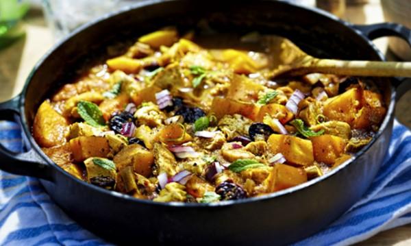 Рецептата Dnes: Пиле със сладки картофи и куркума