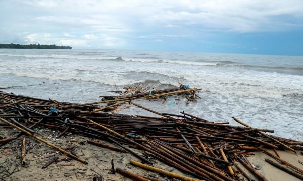 Трус от 7 по Рихтер в Индонезия, очаква се цунами