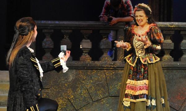 Певец предложи брак на сцената на Бургаската опера