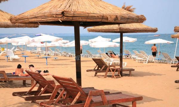 Летният сезон е близо, най-търсени бармани и сервитьори