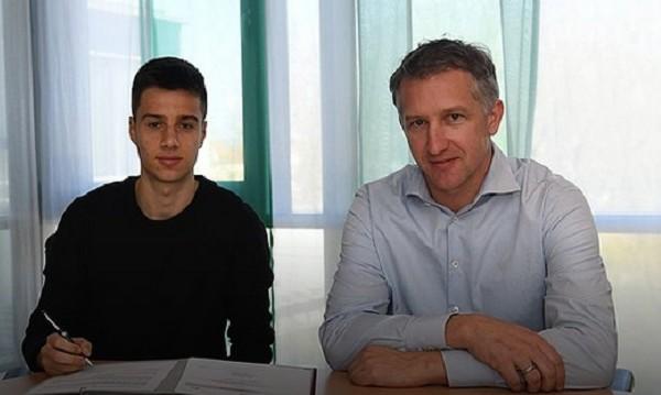 Илия Груев-младши подписа с Вердер