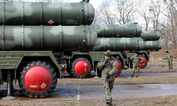 Русия си гарантира контрола на Северния морски път и по въздух