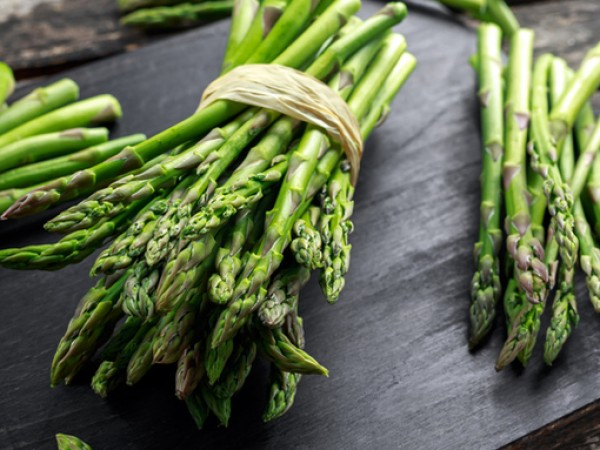 Аспержите са пролетен зеленчук, пълен с важни хранителни вещества. Не