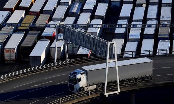 Главоломен ръст на вноса към Великобритания