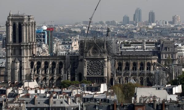 Дълго, трудно и скъпо ще е възстановяването на Нотр Дам