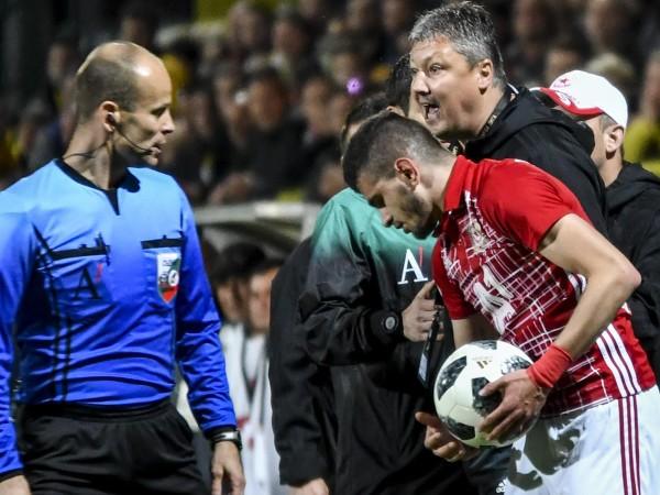 Съдията Николай Йорданов се справи с напечения първи 1/2-финален мач