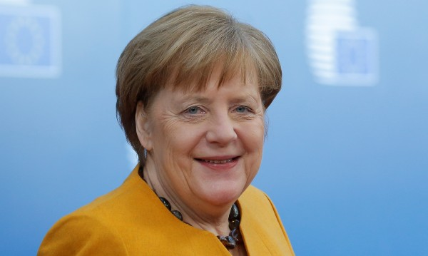 Сбогуването вече започна. Но ще управлява ли Меркел до 2021 г.?