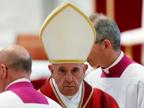 Снимка: Папата: Католическата църква е под атака отвътре и отвън
