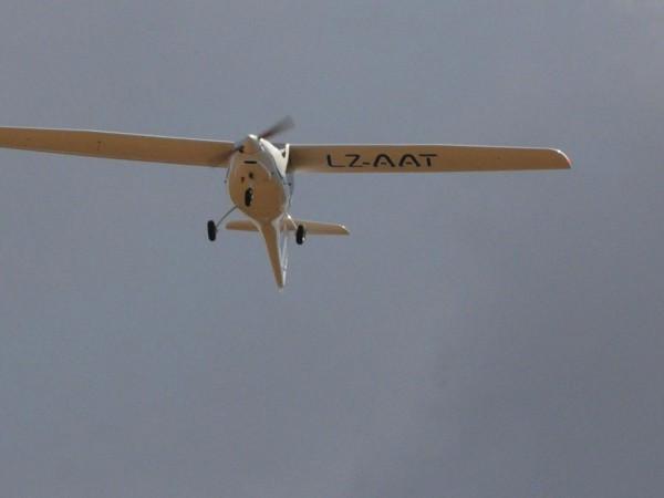 Снимка: Повреда в крилото довела до разбиването на самолета в Оризари