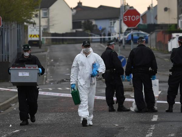 Снимка: Задържаха двама тийнейджъри за убийството в Лондондери
