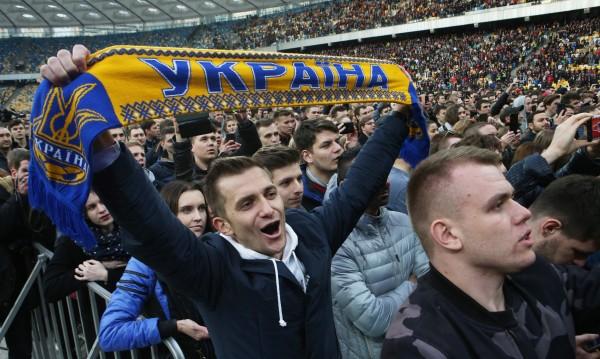 Украйна се готви за президент: Зеленски или Порошенко