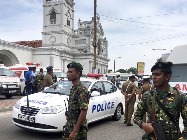 Снимка: Тероризъм на Великденска литургия: Поне 20 убити в Шри Ланка