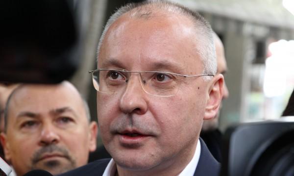 Станишев: Платил съм цената за грешките си