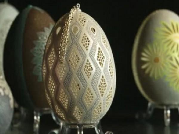 Снимка: Полски бижутер създава приказни яйца със зъболекарска машинка