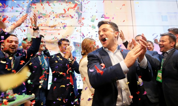 Краят на Порошенко, Зеленски със съкрушителна победа в Украйна