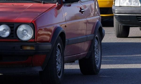 Край на бизнеса с коли втора ръка? Вносът на стари возила зацикли