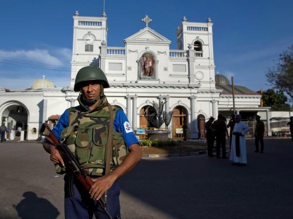 Снимка: 13 арестувани за кървавите атентати в Шри Ланка