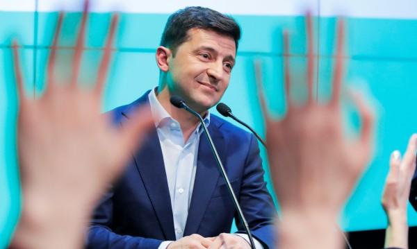 Зеленски с първа задача: Да върне украински пленници