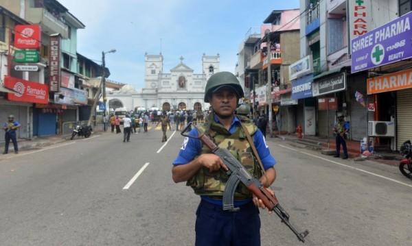 Осем българи в капан в Шри Ланка, на сигурно място са