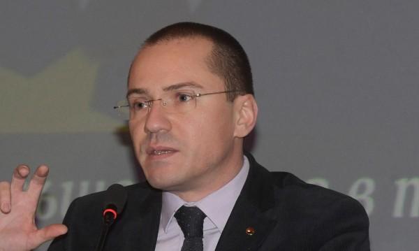 """Джамбазки: """"Ишиас политика"""" създава антиевропейски настроения"""