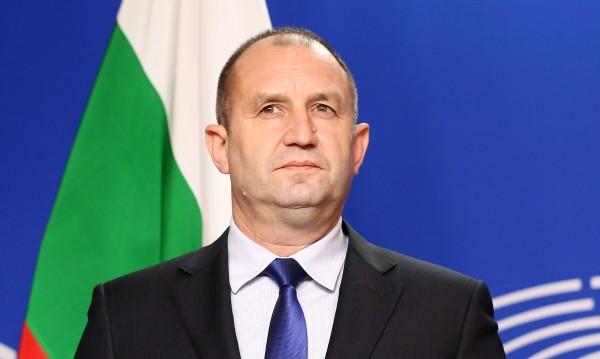 Радев: Заплахата за реда не идва от армията, а от политици!