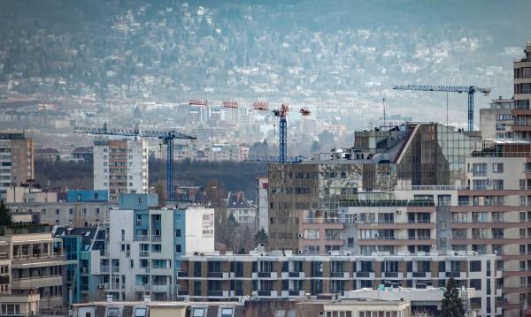 Имотният пазар продължава да изстива, ръстът в София – скромен