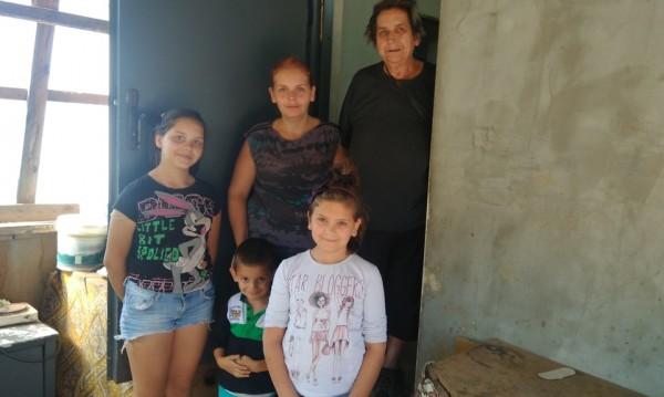 Изоставена от двама мъже, с три деца... Животът на Марина