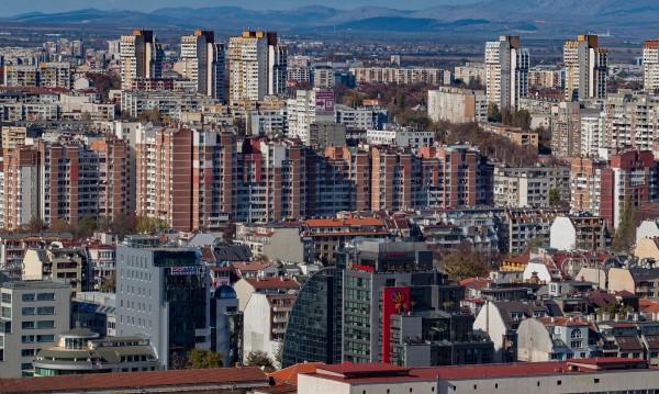 """Българинът ядосан от """"Апартаментгейт"""", но вярва: Тука е така"""