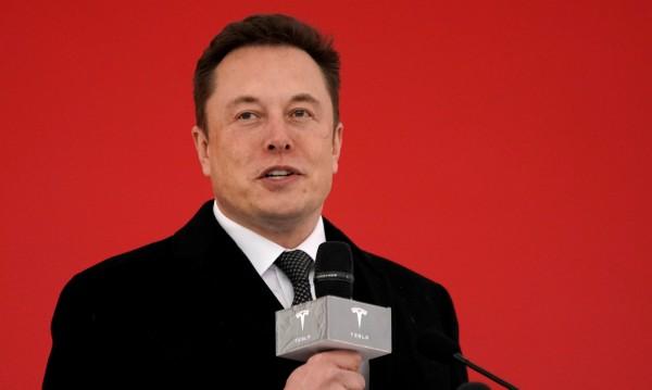 Tesla ще конкурира Uber и Lyft с роботаксита