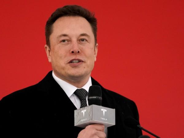 Снимка: Tesla ще конкурира Uber и Lyft с роботаксита