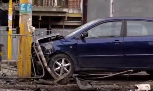 Пияна шофьорка се заби в стълб на столичен булевард