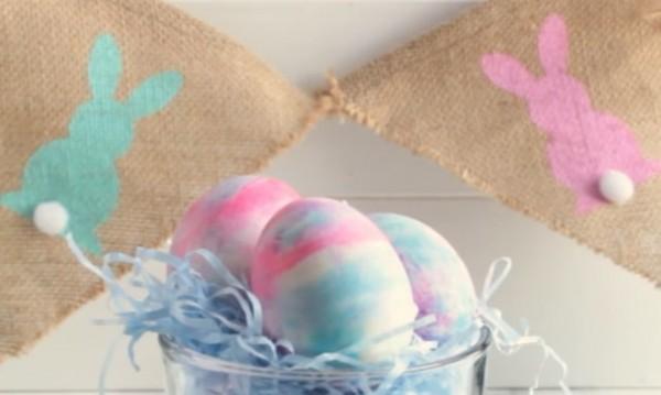 Как да си боядисаме яйцата с пяна за бръснене?