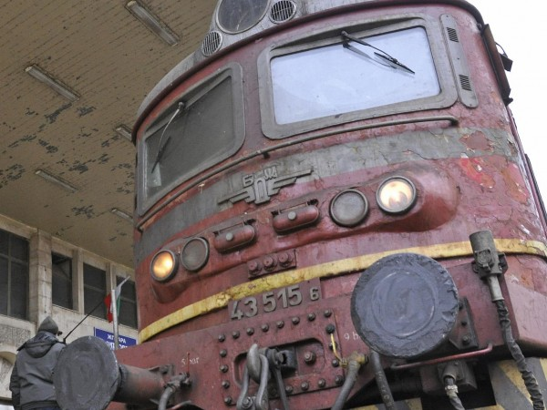"""""""БДЖ-Пътнически превози"""" ЕООД ще осигури над 19 000 допълнителни места"""