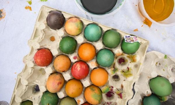 Велики четвъртък: Време е за боядисване на яйцата!