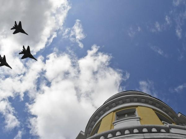 Полети на вертолети и самолети ще има над София в