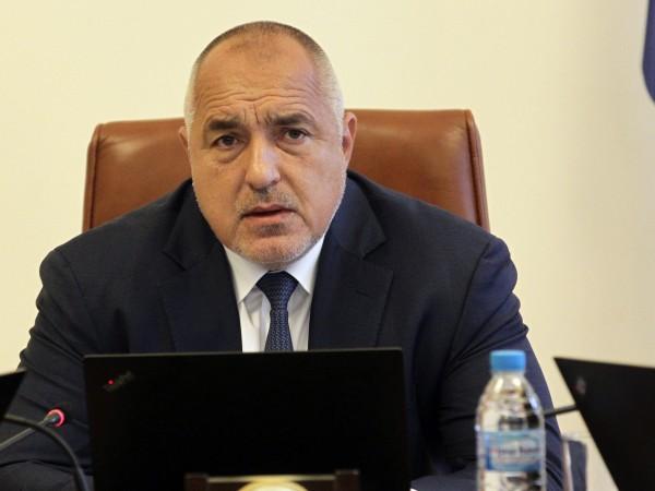 Премиерът Бойко Борисов не коментира ситуацията около вицепремиера Красимир Каракачанов,