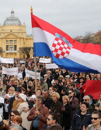 Подписи в Хърватия за... По-ниска пенсионна възраст