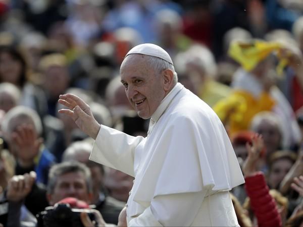 60% от българите приемат като положителна новина посещението на папа