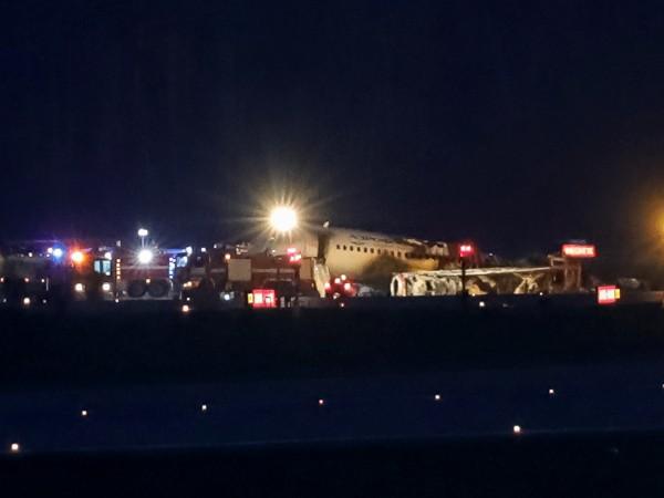 41 души са загинали при аварийното кацане на самолет на