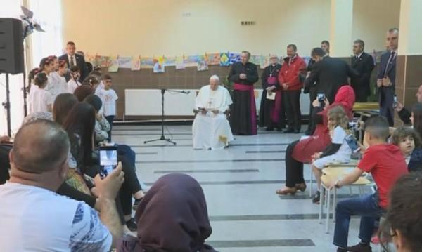 Папата към бежанците: Молете се за мен!