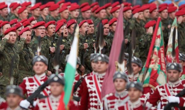 Военните знаят: Българският народ милее за традициите си