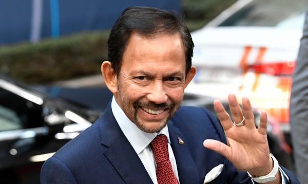 Султанът на Бруней обеща: Няма да прилага смъртно наказание