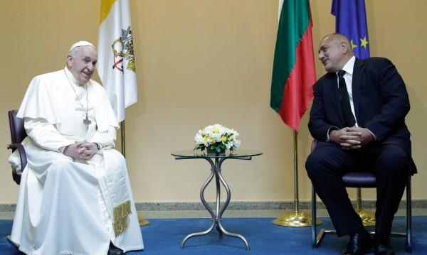 Папата си тръгна, останал доволен: Видях един здрав народ!