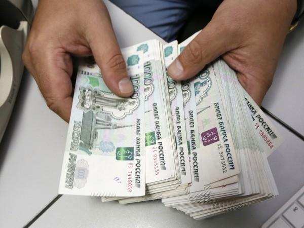 """""""Доста големи доходи"""" получават много деца на служители от руската"""